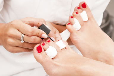 pedicure estetici e curativi con il trattamento white spa della kinetics